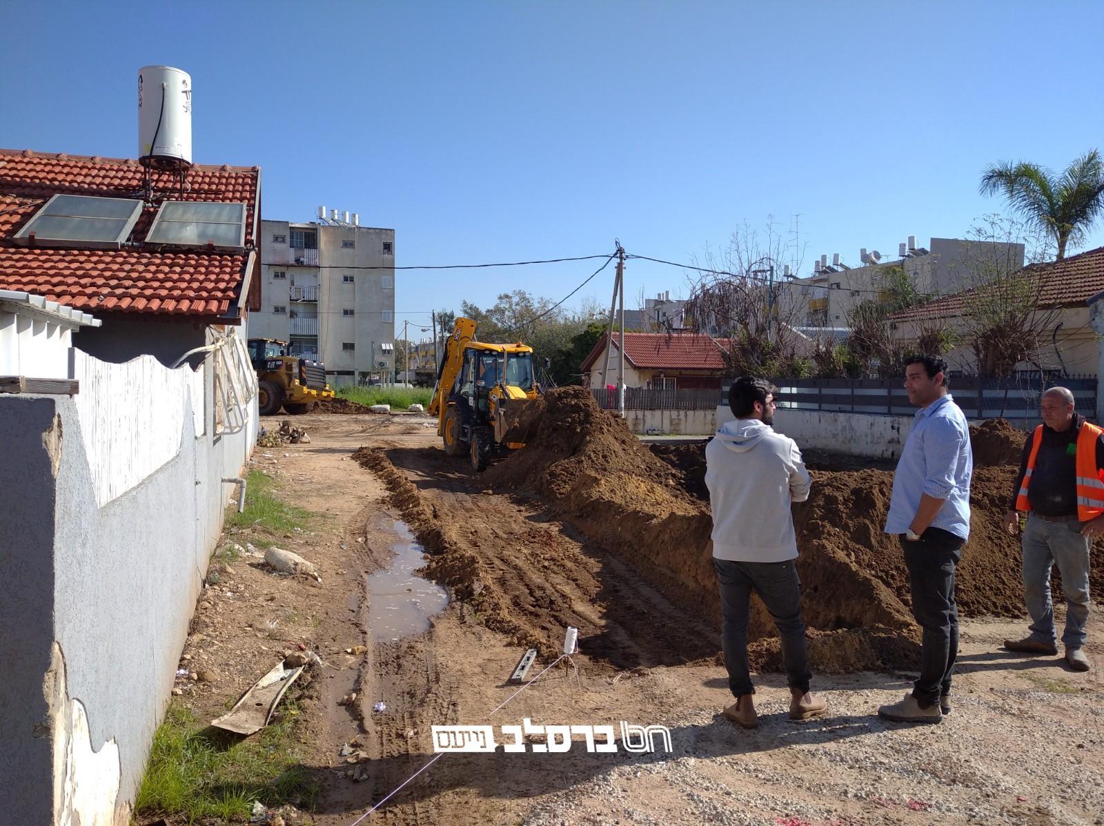 """רמלה: אנ""""ש בעיר רמלה החלו בבניין בית הכנסת ברסלב ע""""ש הצדיק"""