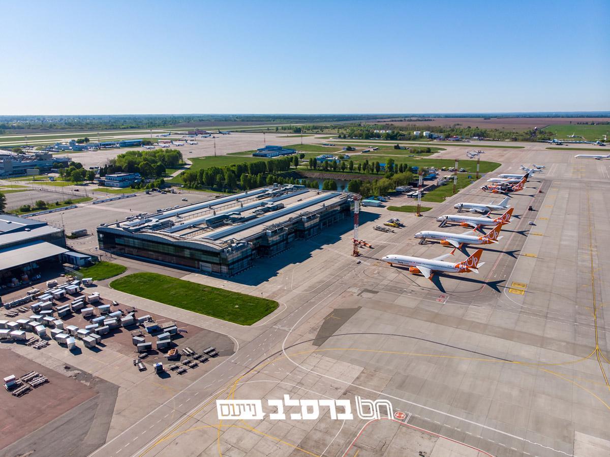 אוקראינה • נמל התעופה בוריספול עדיין שומם עקב מגבלות הקורונה