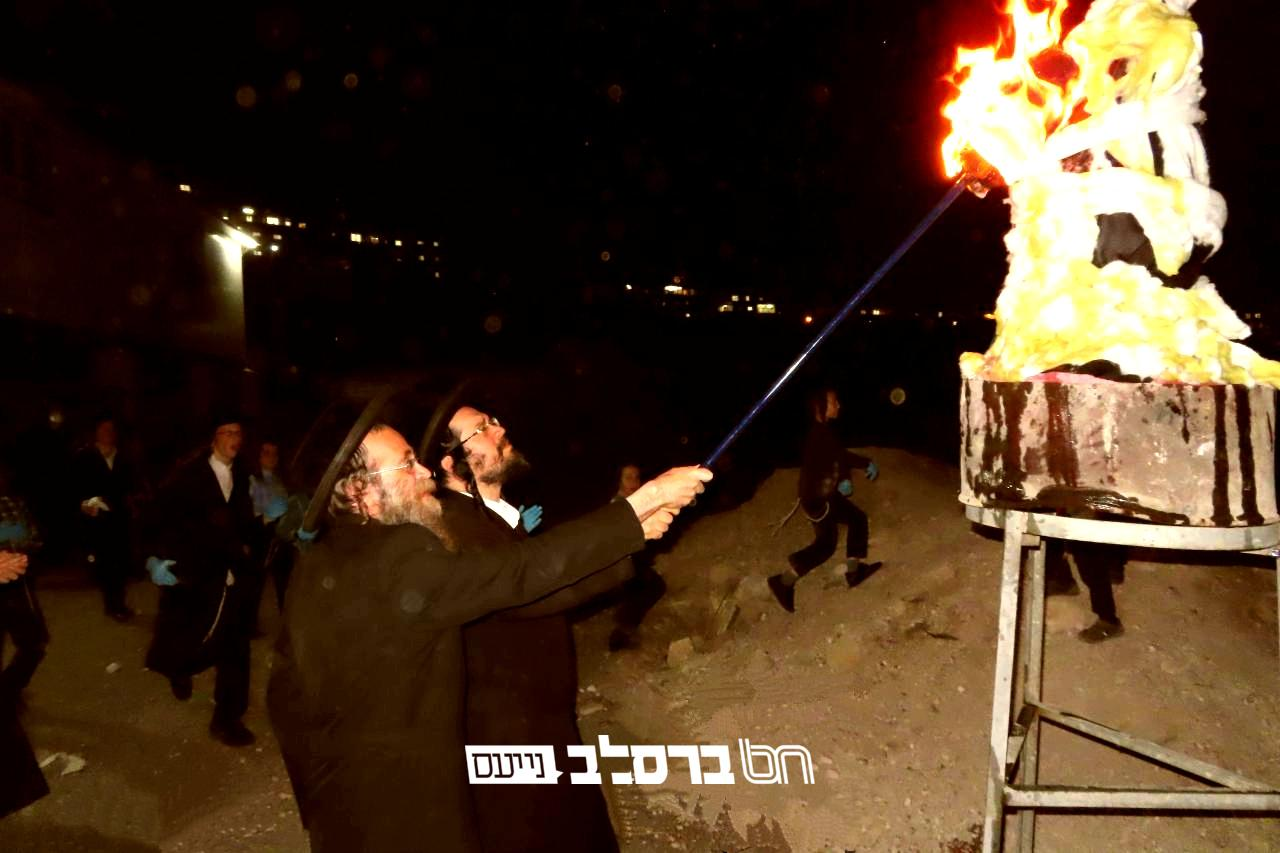 """בית שמש: ל""""ג בעומר • סעודה והדלקה בבית הכנסת 'נחלת חן' לכבוד רבי שמעון"""