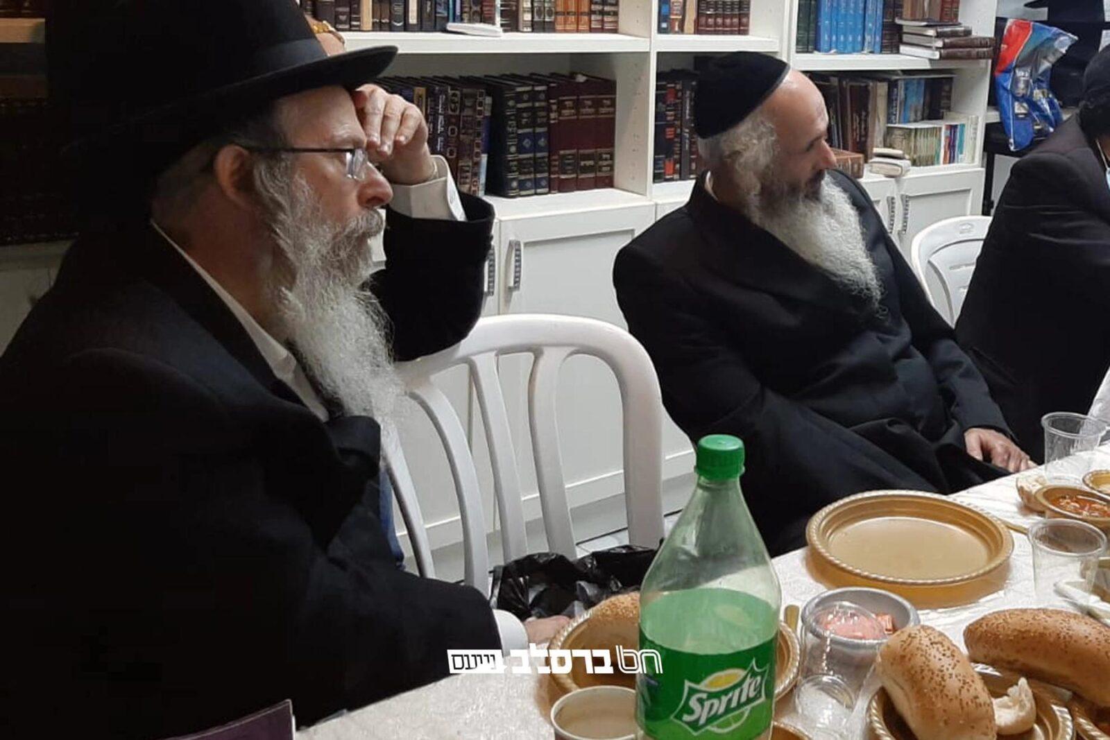 """כמה מאנ""""ש בסעודת הודיה על שרצינו להיות בימי הקיבוץ ראש השנה באומן עם הרב אליהו גודלבסקי"""