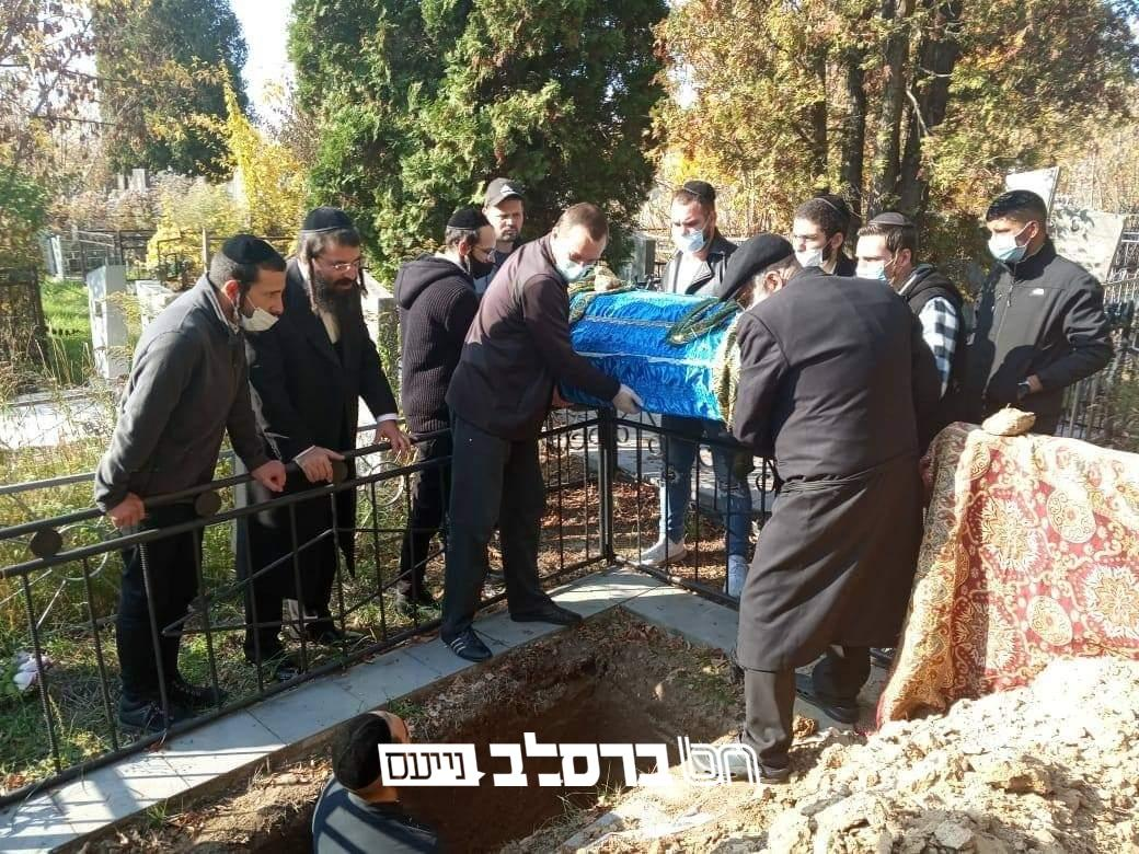 """אומן • מֵת מִצְוָה: האישה מרת מניה ב""""ר אברהם וולדמן ע""""ה – יהודייה גלמודה מאומן הובאה לקבר ישראל"""