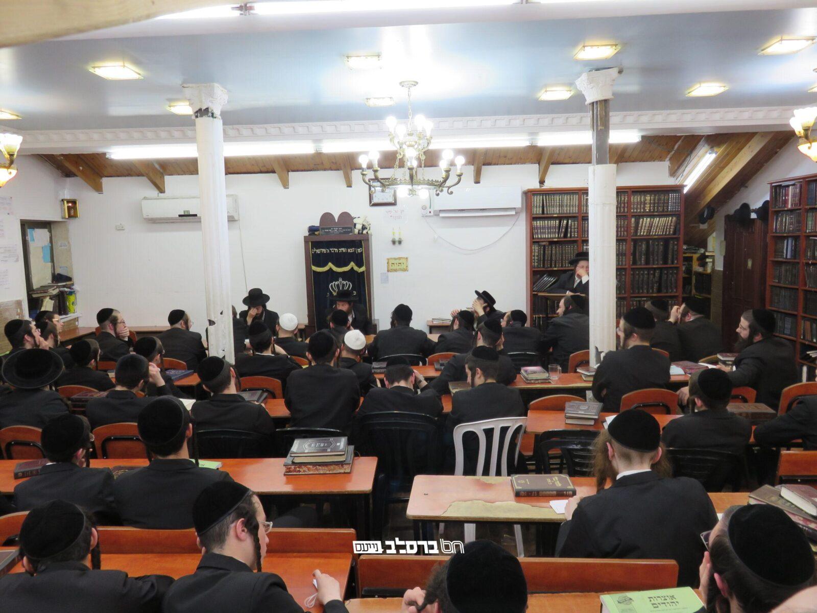 ישיבת 'מתיבתא' • פאנל של תשובות בעניין ההתבודדות לבחורי ישיבה גדולה ברסלב ירושלים