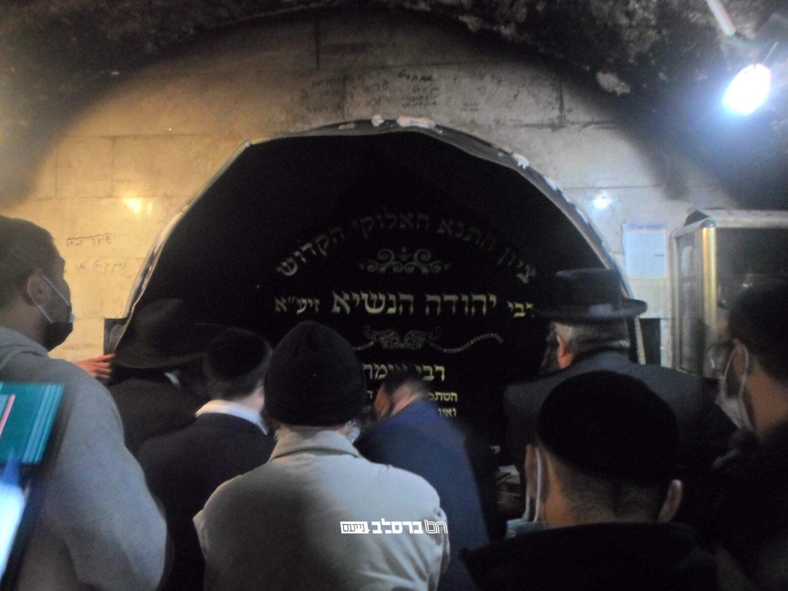 לקראת יום הילולת רבי יהודה הנשיא עלו רבים לפקוד את ציונו • גלריה נרחבת
