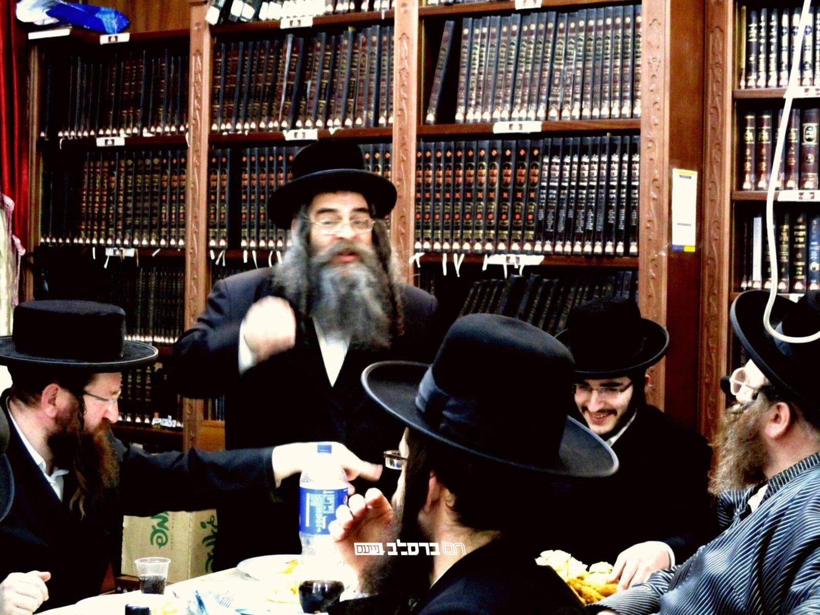 יומא טבא • עדכון מהיכל 'מרבה תורה' שבבית הכנסת הגדול שבירושלים ה'שול'