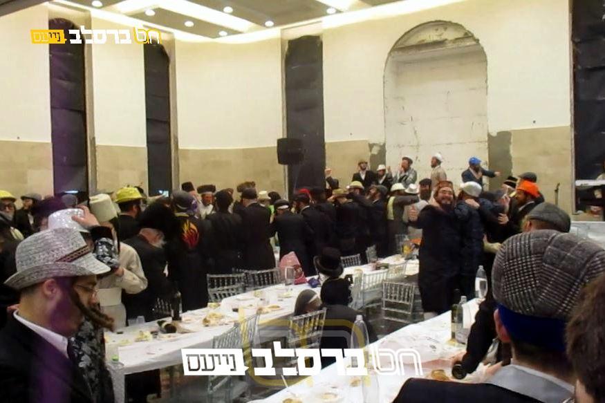 """בית שמש • משתה היין בבית הכנסת ברסלב 'אהל הדסה' עם הגה""""ח ר""""ש סירוטה"""