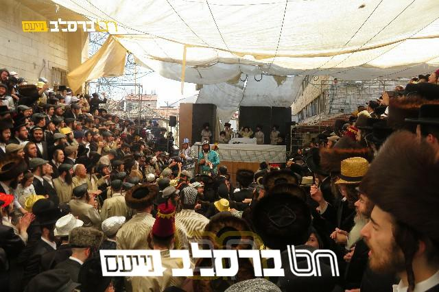 """ירושלים •משתה היין בקהילת חסידי ברסלב בראשות הגה""""צ רבי יעקב מאיר שכטער שליט""""א"""