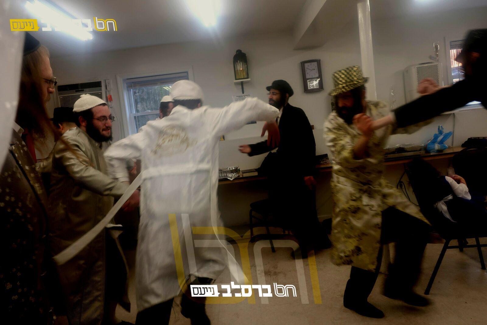 קריית יואל • שמחת פורים בבית הכנסת ברסלב 'מעיינות הנחל'