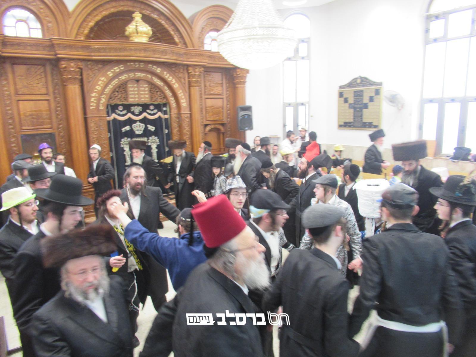 """ירושלים • צפו חג הפורים בבית הכנסת 'אור אברהם' עם חשובי אנ""""ש"""