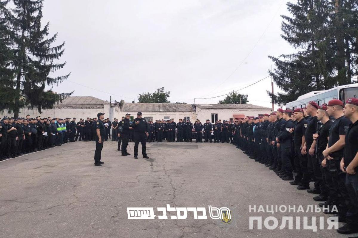 משטרת אוקראינה: שוטרים מחמש מחוזות יפקחו על הסדר באומן בימי ראש השנה